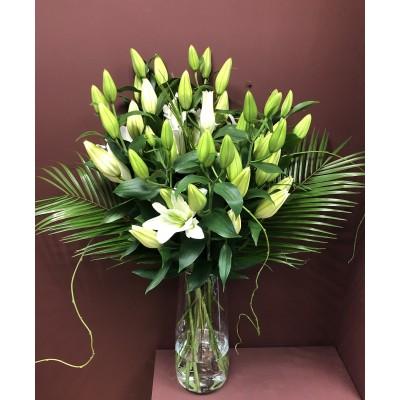 Deluxe Lily Arrangement in 45cm Vase